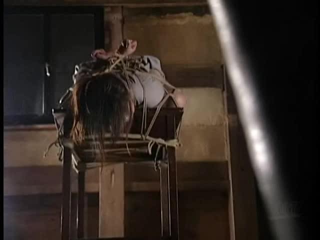 【レイプものの巨にゅう動画】巨乳の素人のSMH無料動画。閲覧注意w万引きで捕まえた美巨乳おっぱい妻をガチSM拷問調教レイプ