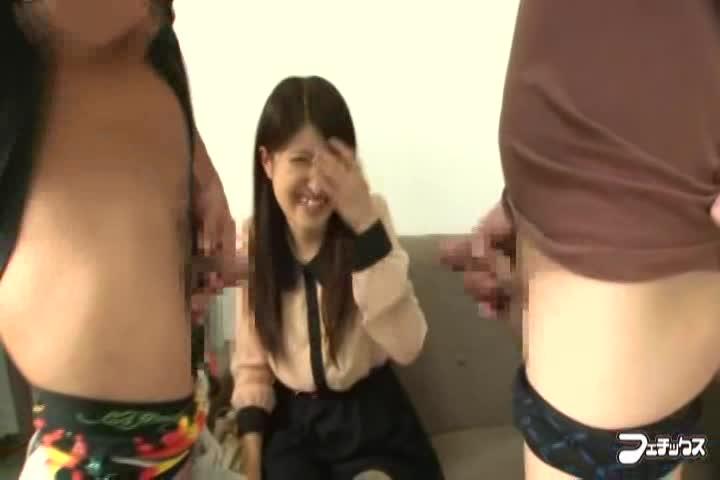 小橋咲, 木崎実花 まだチンポを見たことが無いウブな女の子にオナニーを...